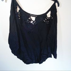 TIARE HAWAII Blk Eyelet Embroidered Top Size M/L